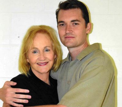 Lyn Ulbricht visiting her son Ross Ulbricht in federal prison